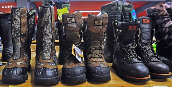Какой должна быть зимняя обувь и одежда для охоты?